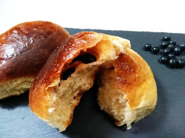 手づくり黒大豆パン